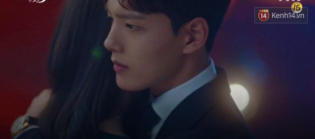 Hậu ghen lồng lộn vì crush suýt bị gả cho cháu gái tài phiệt, CEO IU và Yeo Jin Goo chính thức kết đôi trong tập 10 Hotel Del Luna - Ảnh 2.