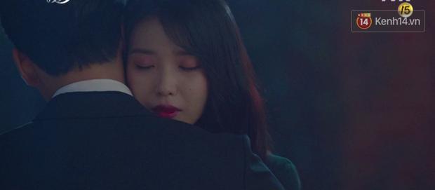 Hậu ghen lồng lộn vì crush suýt bị gả cho cháu gái tài phiệt, CEO IU và Yeo Jin Goo chính thức kết đôi trong tập 10 Hotel Del Luna - Ảnh 3.