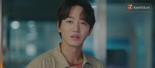 Hậu ghen lồng lộn vì crush suýt bị gả cho cháu gái tài phiệt, CEO IU và Yeo Jin Goo chính thức kết đôi trong tập 10 Hotel Del Luna - Ảnh 19.