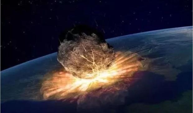 Thiên thạch to hơn Tháp Eiffel, mạnh hơn bom Hiroshima bay áp sát Trái Đất - Ảnh 1.