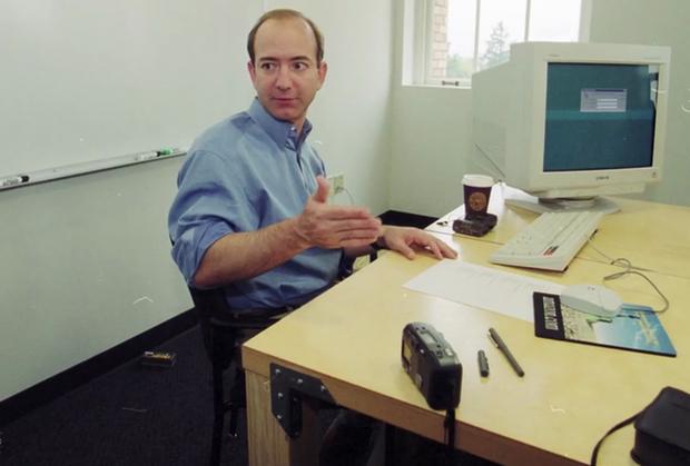 5 tỷ phú công nghệ hàng đầu thế giới làm việc trên chiếc bàn đặc biệt thế nào? - Ảnh 1.