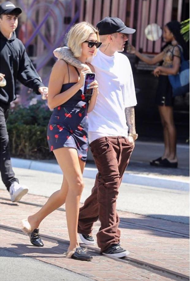 Giữa bão chia tay của Miley, Justin Bieber góp chuyện bằng ảnh nóng mắt cùng vợ kèm theo chú thích ẩn ý - Ảnh 4.