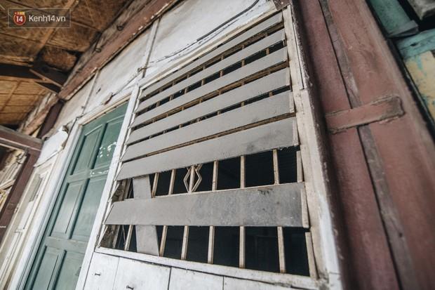 Khu tập thể gỗ xuống cấp nghiêm trọng tồn tại gần 70 năm giữa lòng Hà Nội: Không nhà vệ sinh, là lãnh thổ của bầy chuột sinh sôi - Ảnh 17.