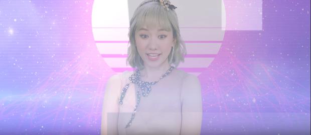 Hari Won tung MV Trấn Thành viết lời, mặc bikini nhí nhảnh trong tiệc bể bơi - Ảnh 4.