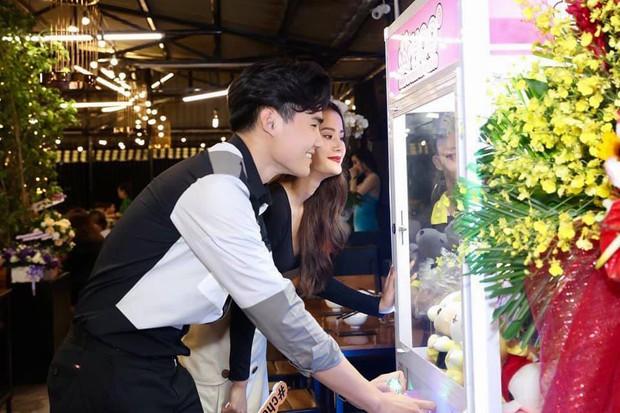 Hương Ly: Tôi và Quang Hùng đều độc thân thì việc hôn nhẹ vào môi nhau cũng đâu có gì là lạ - Ảnh 2.