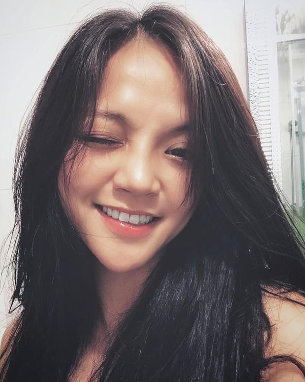 Sau khi tiết lộ có tình mới hậu ly hôn, Thu Quỳnh đăng status đầy chiêm nghiệm: Phụ nữ kiêu ngạo vẫn sẽ đổ rạp vào vòng tay quân tử chân thành - Ảnh 2.