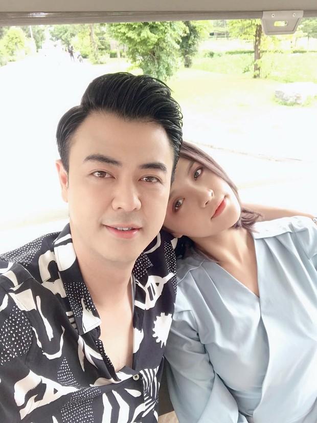 Sau khi tiết lộ có tình mới hậu ly hôn, Thu Quỳnh đăng status đầy chiêm nghiệm: Phụ nữ kiêu ngạo vẫn sẽ đổ rạp vào vòng tay quân tử chân thành - Ảnh 1.