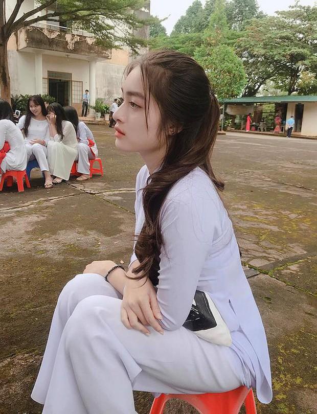 Đang học cấp 3 mà chưa ngắm loạt girl xinh này thì uổng quá: Nhìn người ta mặc áo dài nè, toàn cực phẩm không đó! - Ảnh 27.