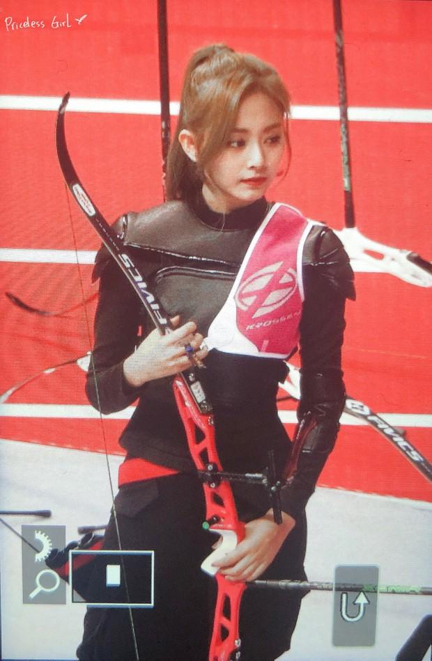 Nữ thần TWICE lại gây náo loạn Đại hội thể thao idol 2019: Ảnh fan chụp sương sương mà đẹp như nữ chiến binh - Ảnh 4.