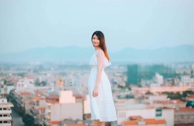 Chỉ diện quần áo thể dục, nữ sinh Bách khoa vẫn đẹp mong manh sương khói, xem đến ảnh đời thường lại càng xuất sắc hơn - Ảnh 11.