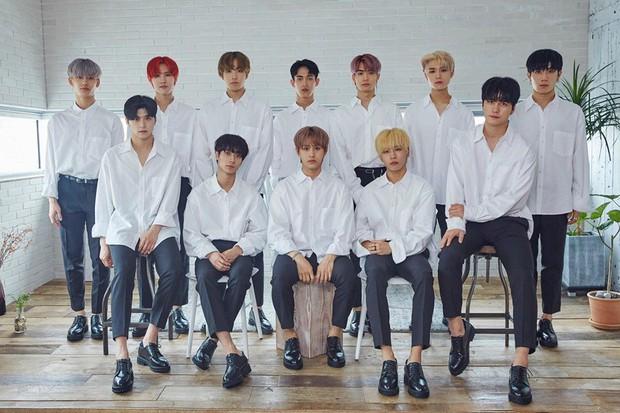 Hơn cả Chống Đạn Thiếu Niên Đoàn của BTS, Kpop xuất hiện boygroup có cái tên cực thách thức: Dưới bầu trời này không có đối thủ! - Ảnh 1.