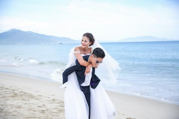 Quang Hùng & Hương Ly - 2 Quán quân Vietnams Next Top Model bất ngờ bị lộ clip khóa môi - Ảnh 3.
