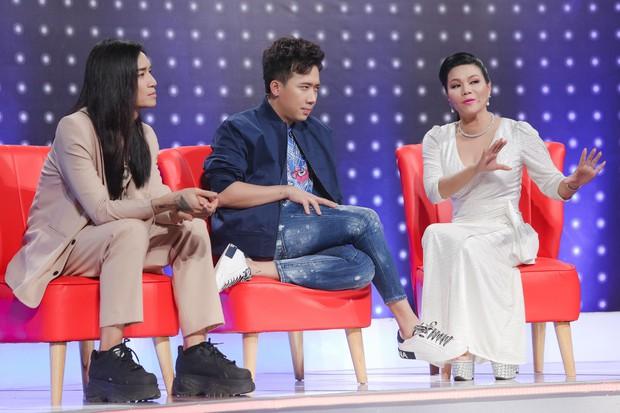 Trường Giang nịnh vợ Nhã Phương trên sóng truyền hình: Vợ em không make up em thấy vẫn đẹp - Ảnh 1.