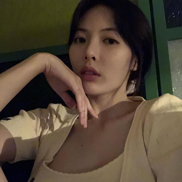 Cũng có lúc, con gái đẹp nhất khi chẳng trang điểm, giống như Hyuna vậy - Ảnh 2.