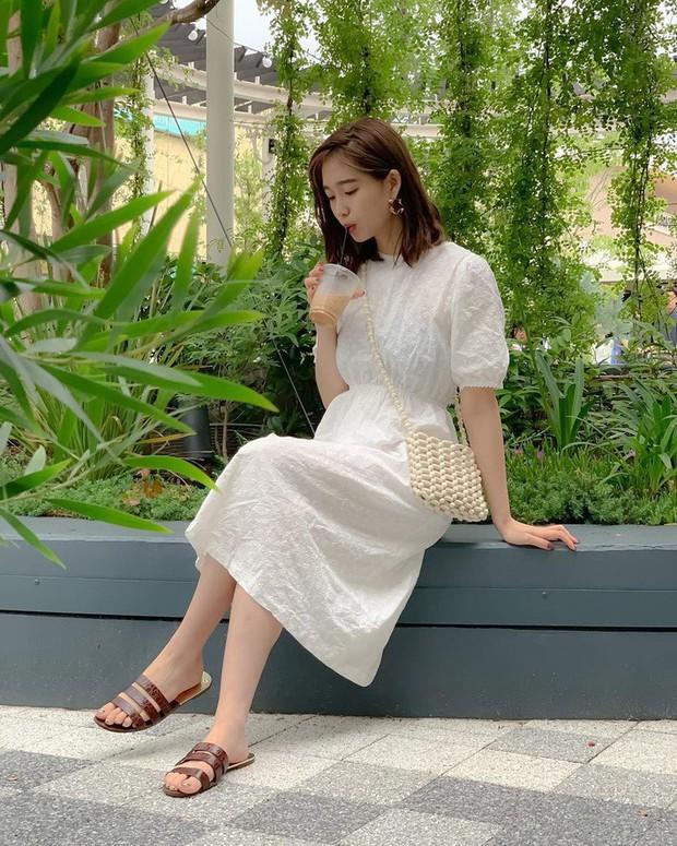 Street style châu Á: Sơ mi chiếm ưu thế toàn tập vì đơn giản lại dễ mặc đẹp - Ảnh 3.