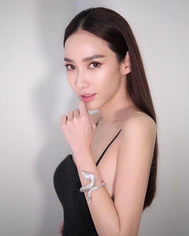 Top sao nữ đẹp từ trong trứng nước của showbiz Thái: Dàn mỹ nhân lai xuất sắc, Nira Chiếc lá bay chưa phải là nhất! - Ảnh 56.