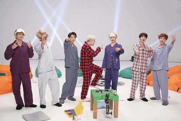 BTS bất ngờ nghỉ xả hơi, ARMY nếu có nhớ thì nên xem lại các show này! - Ảnh 13.