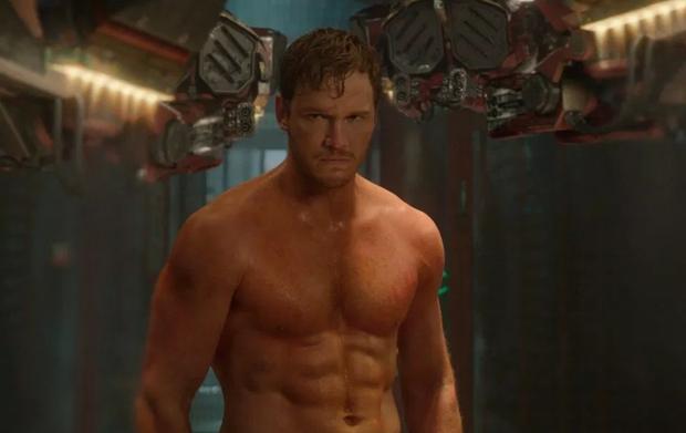 Ngày nào body còn sánh ngang với Thor và Cap, tài tử Avengers bỗng phát tướng khiến 6 múi chập 1 - Ảnh 7.