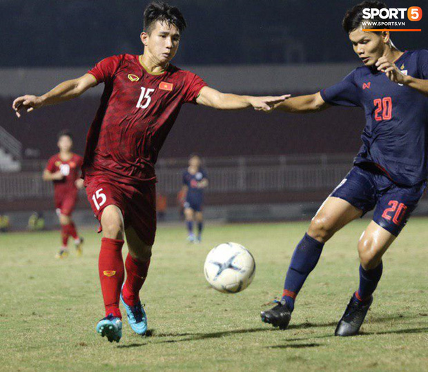 Cầu thủ U18 Việt Nam và U18 Thái Lan lao vào nhau, đòi ăn thua đủ trong trận đấu nghẹt thở tại giải vô địch Đông Nam Á - Ảnh 1.