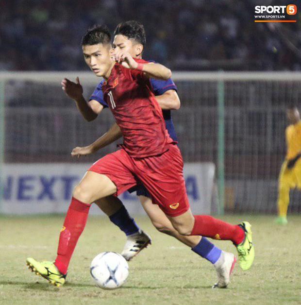 Cầu thủ U18 Việt Nam và U18 Thái Lan lao vào nhau, đòi ăn thua đủ trong trận đấu nghẹt thở tại giải vô địch Đông Nam Á - Ảnh 6.