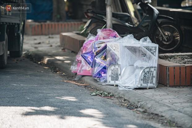 Thủ phủ vàng mã lớn nhất cả nước tấp nập tháng cô hồn: túi Chanel, xe phân khối lớn, xe đạp điện xuất xưởng - Ảnh 17.