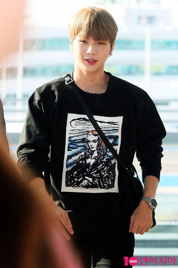 Center quốc dân Kang Daniel lần đầu lộ diện hậu hẹn hò mỹ nhân TWICE, thái độ và ngoại hình gây bất ngờ - Ảnh 8.