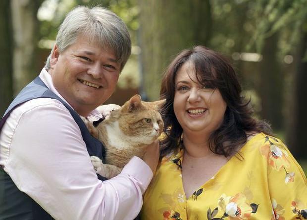 Cặp vợ chồng bỗng lên hương hóa triệu phú trong tích tắc chỉ vì quên mua thức ăn cho mèo cưng - Ảnh 3.