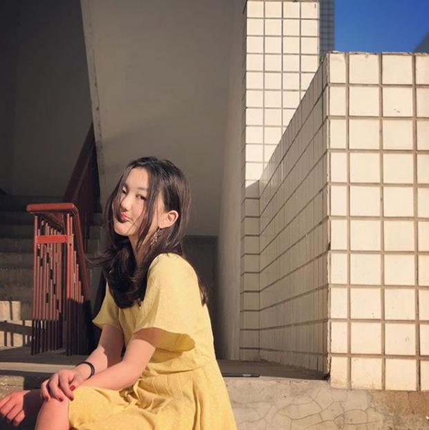 Mới 13 tuổi, con gái hở hàm ếch của Vương Phi gây sốt vì quá thần thái, make up điệu đà, tạo dáng thục nữ chụp ảnh - Ảnh 7.
