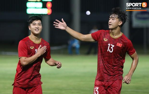 Martin Lo tỏa sáng, U22 Việt Nam thắng nhẹ CLB mạnh nhất của Hong Kong (Trung Quốc) - Ảnh 3.