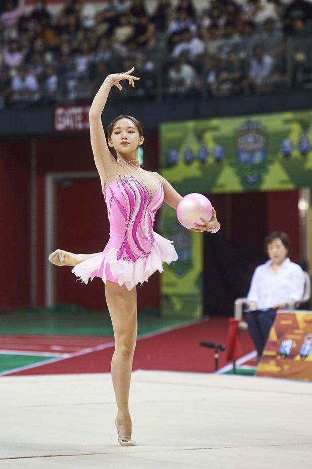 Những khoảnh khắc khoe sắc gây bão tại Đại hội thể thao idol: Người vụt sáng sau 1 đêm, kẻ bị ném đá vì xuống sắc - Ảnh 12.