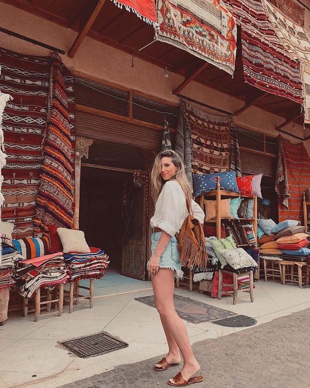 """Mặc trời nóng 46 độ, """"chị Ba"""" Ngô Thanh Vân quyết sang châu Phi khám phá chợ trời nức tiếng Maroc và ngồi… buôn dép - Ảnh 16."""