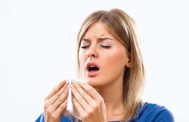 Nếu hắt hơi mà có những mùi khó chịu này thoát ra khỏi miệng thì cần phải cẩn thận - Ảnh 2.