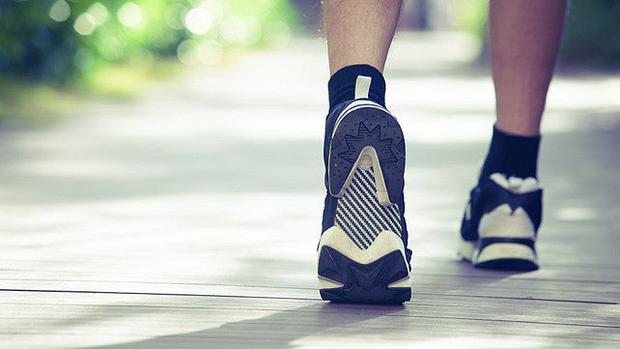 Bạn có biết: Đứng yên một chỗ còn mệt hơn chạy bộ, và đây là lý do - Ảnh 3.