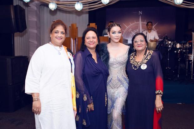 Lý Nhã Kỳ lại biến hoá thành công chúa biển xanh khi dự tiệc sinh nhật tỷ phú Ấn Độ ngày thứ 2 - Ảnh 5.