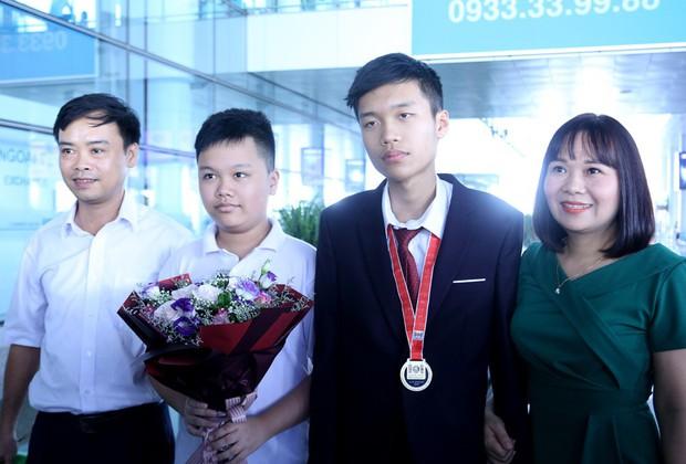 Nam sinh giành Huy chương Vàng quốc tế biết tính số hàng nghìn từ khi 2 tuổi - Ảnh 2.