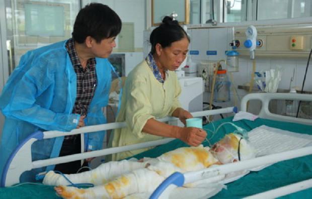 Sức khỏe 3 trẻ mầm non bị bỏng do cô giáo đốt cồn dạy học: Thông tin mới nhất - Ảnh 1.