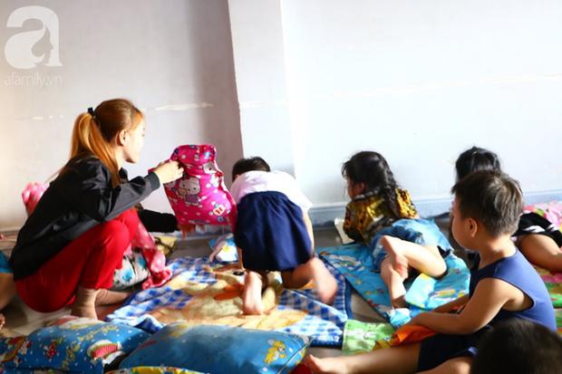 NÓNG: Một bé trai 7 tuổi bị cơ sở giữ trẻ bỏ quên, không đón về ngay ngày học đầu tiên - Ảnh 2.