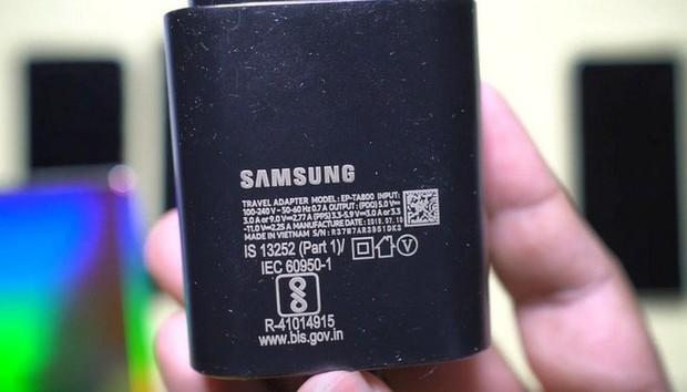 Galaxy Note 10+ quá khủng khiếp: Pin trâu gấp rưỡi iPhone Xs Max nhưng sạc nhanh gấp đôi - Ảnh 1.