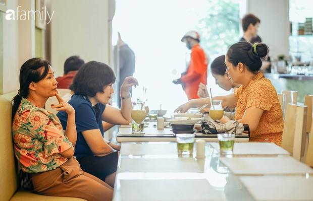 Sát rằm, các quán ăn chay đã nườm nượp khách, hội chị em sẵn sàng bỏ cả triệu đồng để ăn một bữa chay ngon - Ảnh 16.