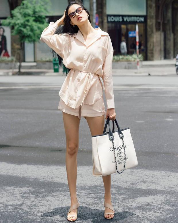 """Street style sao Việt: Tiểu Vy tự tin khoe eo con kiến, Tú Anh bị chàng """"quý tử"""" chiếm hết spotlight - Ảnh 19."""