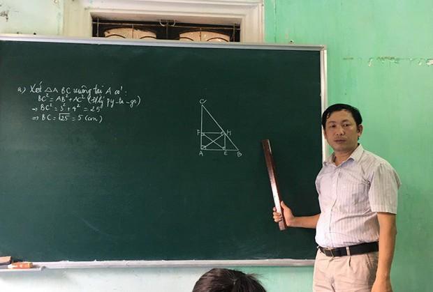 Hàng loạt giáo viên Hà Nội bị cắt hợp đồng trước thềm năm học mới - Ảnh 1.