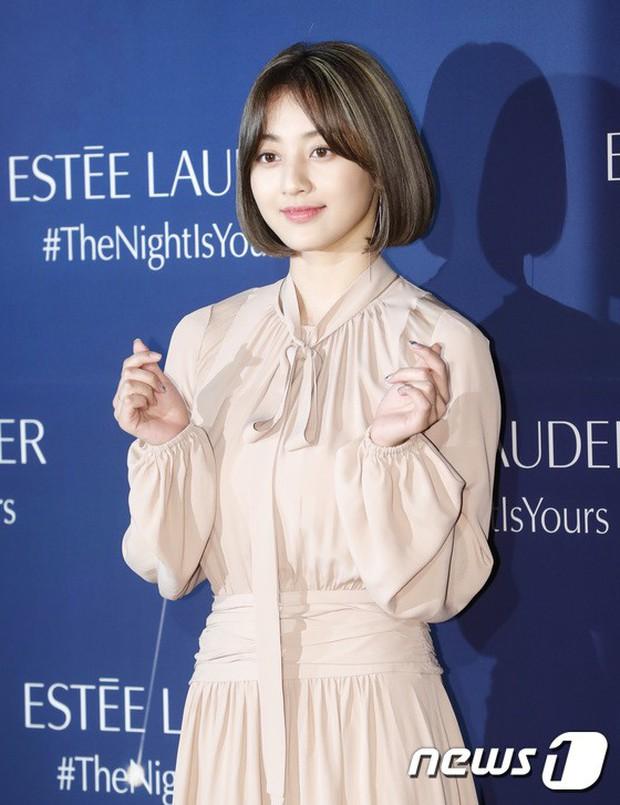 Sự kiện siêu sang quy tụ dàn mỹ nhân: Jihyo lần đầu lộ diện hậu hẹn hò Kang Daniel, bị cả Tzuyu và Sulli làm lu mờ - Ảnh 3.