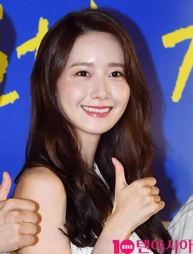 Thảm đỏ showcase gây sốt: Yoona diện áo ren lồ lộ nội y, đẹp rạng rỡ bên chồng ca sĩ Hậu duệ mặt trời - Ảnh 7.