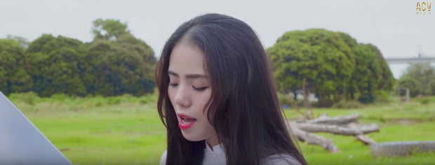 Thánh cover Hương Ly tung MV đầu tay: Nghe 1 lần thuộc luôn, liệu có công phá top trending như thường? - Ảnh 4.