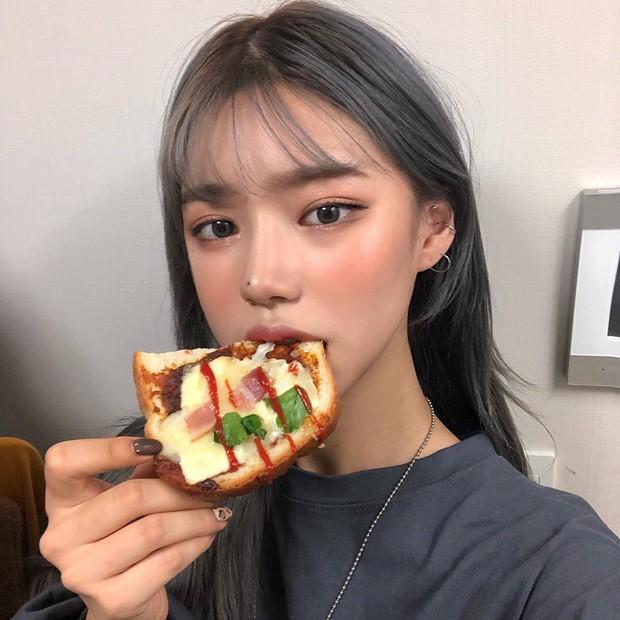 Bí kíp makeup mắt lừa tình của hội gái xinh Hàn Quốc đơn giản đến bất ngờ, xem xong bạn sẽ muốn triển ngay - Ảnh 3.