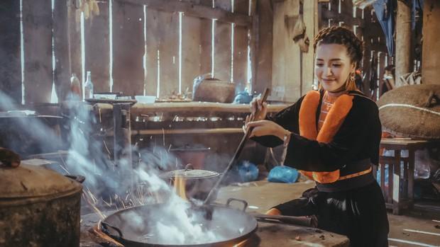 Nhìn vào âm nhạc của Hoàng Thùy Linh, Bích Phương, Chi Pu...: Khai thác văn hóa truyền thống liệu có phải là một công thức tạo hit mới? - Ảnh 9.