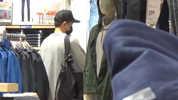 Dương Mịch hớn hở eo thon sau scandal hẹn hò trai trẻ, Lưu Khải Uy buồn bã 1 mình đi shopping mua quần áo giá rẻ - Ảnh 6.
