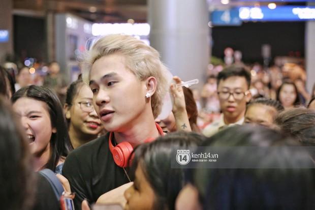 Giữa liên hoàn phốt, Jack cùng K-ICM rời Việt Nam sang Hàn công tác, fan xuất hiện vây kín sân bay tiễn thần tượng - Ảnh 6.