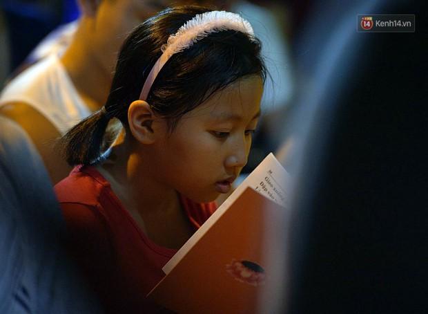 Hàng ngàn người đến chùa Phúc Khánh dự lễ Vu Lan, không còn cảnh chen chúc tràn xuống lòng đường - Ảnh 5.