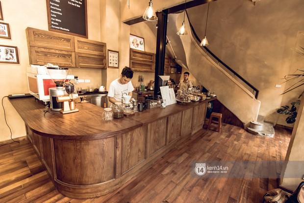 Đã nhiều lần nói về các quán cafe hoài niệm ở Hà Nội, nhưng chắc chắn nơi này sẽ đem đến 1 vibe rất khác cho tất cả chúng ta - Ảnh 2.